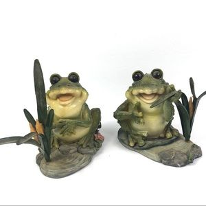 Set of 2 Garden Gate Frogs Figurines